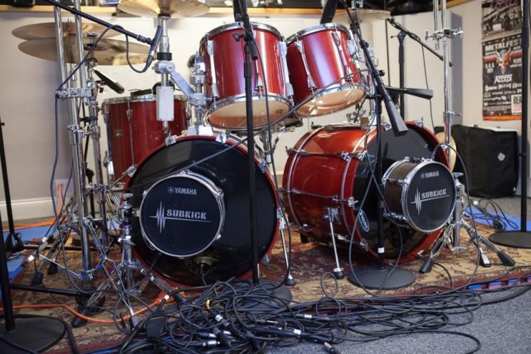 Accept Drumset