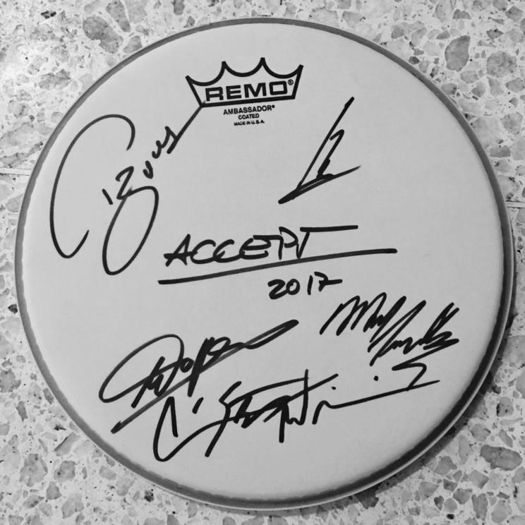 Signiertes Drumhead ACCEPT